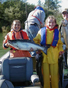 Perry_girls_with_chinook_salmon.JPG