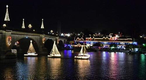 LAKE-HAVASU-PARADE-OF-LIGHTS