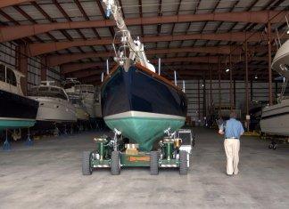 Preventing-winter-boat-damage